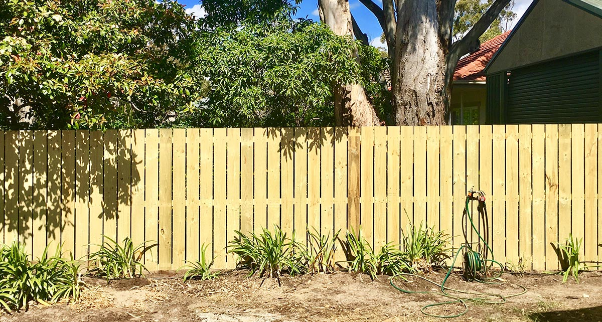 Eden-Hills-Paling-Fence-small